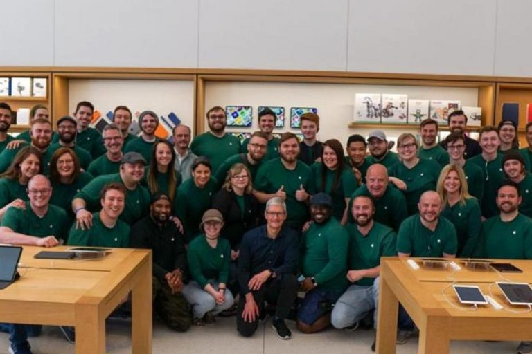 Apple CEO Tim Cook Visits Village Pointe Apple Store