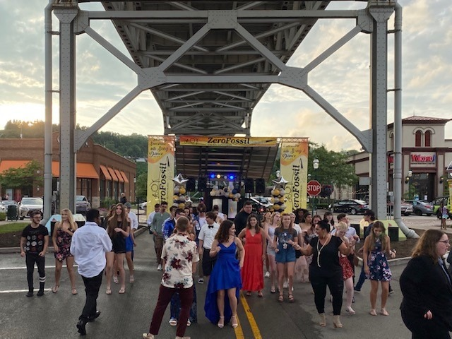 Steel Valley High School Prom Held Under Homestead Grays Bridge