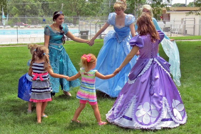 Fairytale Ball, Live Music, Outdoor Movies and Other Fun Things to do This Weekend