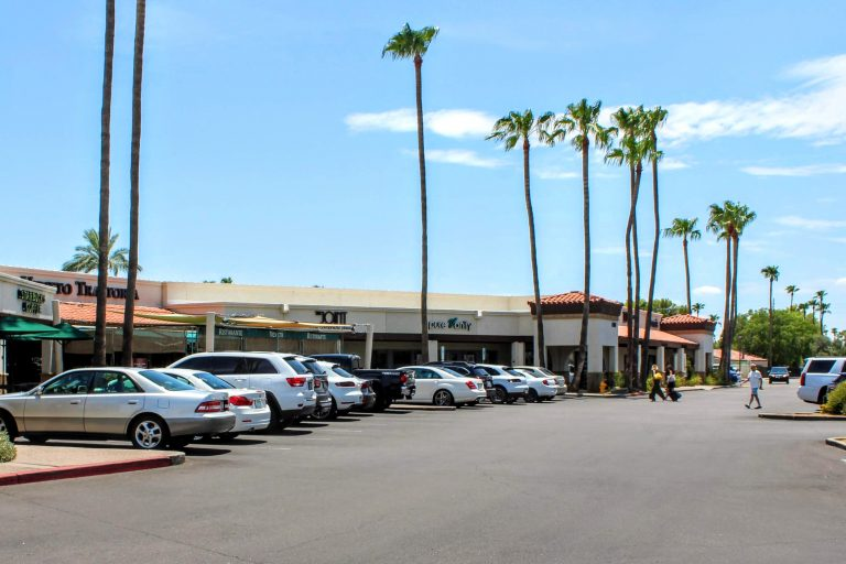 Federal Realty Makes 1st Entry in Arizona Market with Purchase of The Shops at Hilton Village